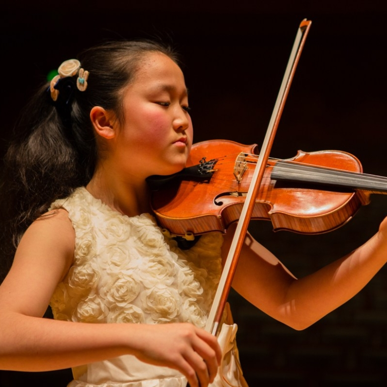 Dindin Jingyi Wang image (003)